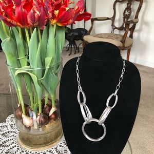 Jewelry - Gorgeous Silver Rings Chain Necklace